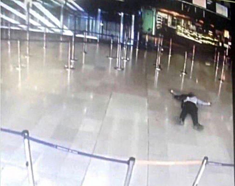Eλεύθεροι οι συγγενείς του δράστη της επίθεσης στο αεροδρόμιο του Ορλί   Newsit.gr
