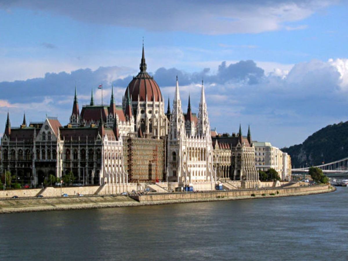 Η Ουγγαρία μειώνει τους βουλευτές της | Newsit.gr