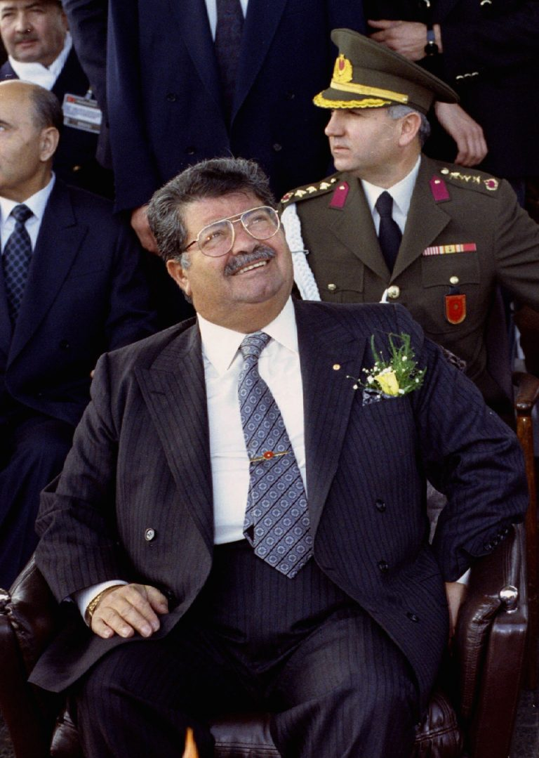 Ο άνθρωπος που ήθελε να δολοφονήσει τον Όζαλ, εξομολογείται | Newsit.gr