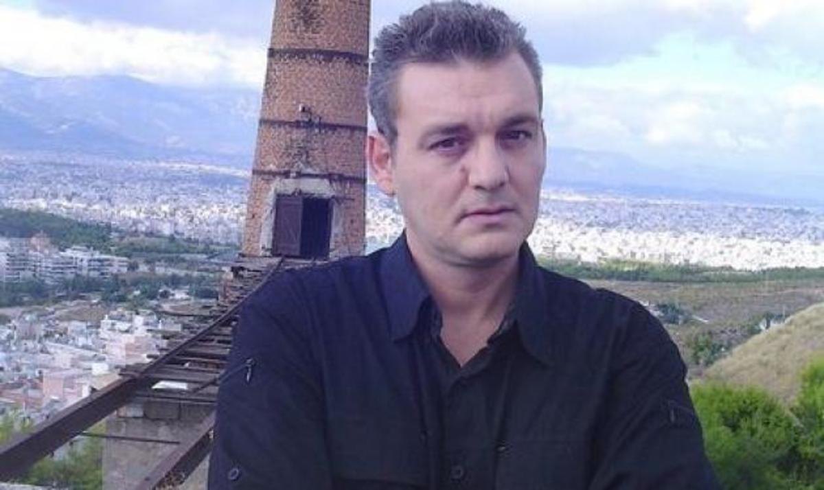 Άστεγος ο τραγουδιστής των «Ριφιφί» – Κοιμόταν δυο χρόνια στα παγκάκια | Newsit.gr