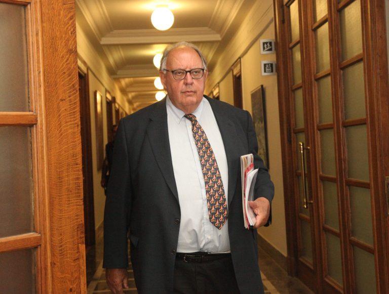 Έξαλλοι χιλιάδες δικηγόροι με τον Πάγκαλο | Newsit.gr