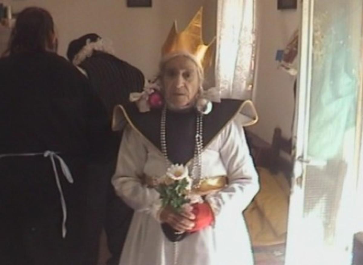 Κρήτη: Νύφη… ετών 95 – Η γριούλα που ξεσήκωσε το Γερακάρι αποκαλύπτεται… | Newsit.gr