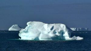 """Θέλουν να… """"κουβαλήσουν"""" παγόβουνο από την Ανταρκτική στο Αμπού Ντάμπι!"""