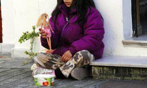 Στοιχεία σοκ από τη Unicef: το 45% των παιδιών στην Ελλάδα στερείται τα βασικά