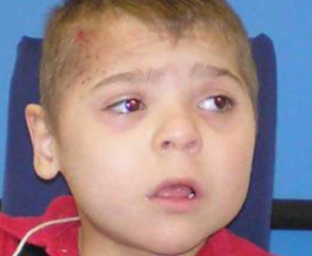 Φρίκη! Αποκεφάλισε το 7χρονο παιδί του και πέταξε το κεφάλι στην άκρη του δρόμου | Newsit.gr