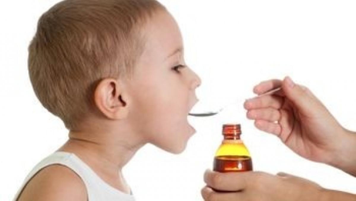 Δείτε από τι κινδυνεύουν τα παιδιά όταν παίρνουν παυσίπονα για ψύλλου πήδημα | Newsit.gr