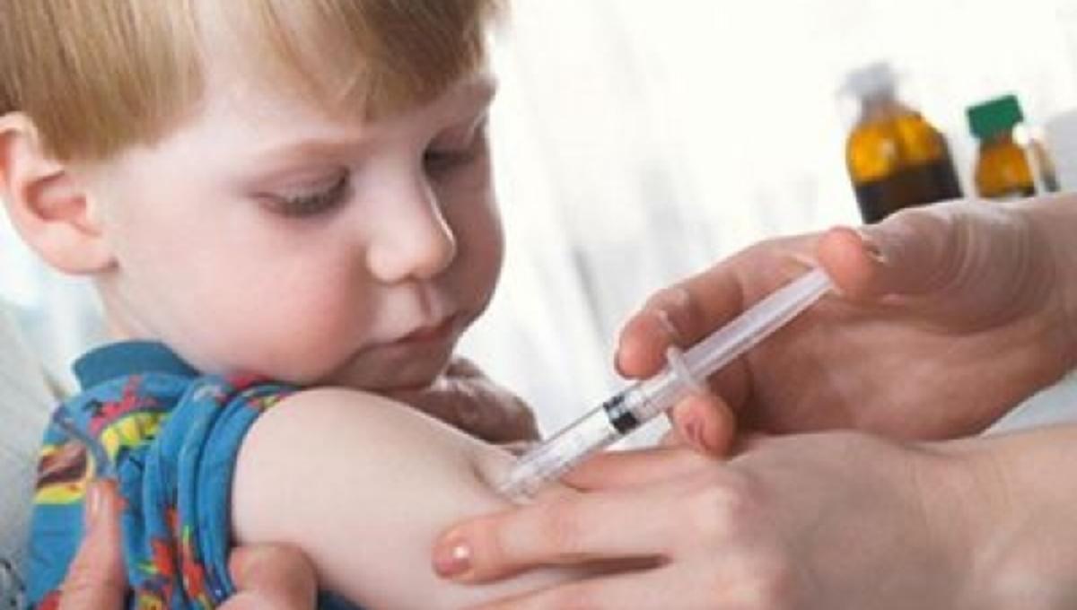 Πότε πρέπει να εμβολιάσουμε τα παιδιά μας για τη γρίπη; | Newsit.gr