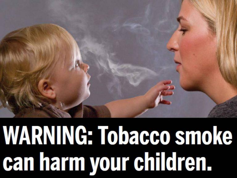 Παιδιά- παθητικοί καπνιστές, ακόμη και όταν δεν καπνίζουμε μπροστά τους | Newsit.gr