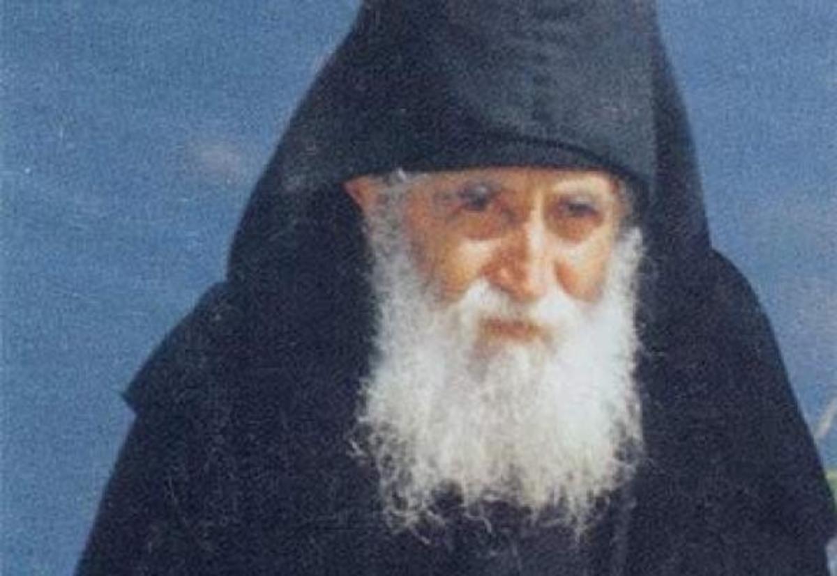 Θεσσαλονίκη: Εκατοντάδες προσκυνητές στον τάφο του Γέροντα Παΐσιου | Newsit.gr