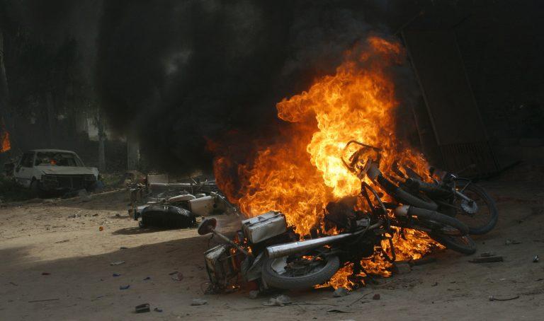 Πακιστάν: 12 νεκροί σε επίθεση αυτοκτονίας | Newsit.gr