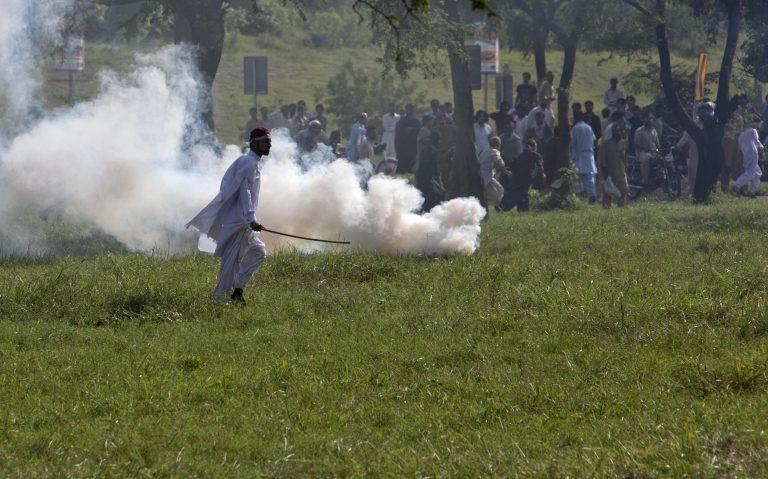 Λουτρό αίματος στο Πακιστάν – 13 νεκροί σε όλη τη χώρα – Μολότοφ στο αμερικανικό προξενείο | Newsit.gr
