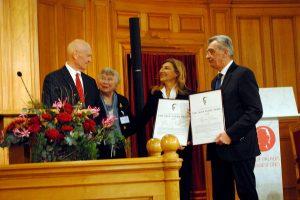 Το βραβείο του ιδρύματος Ούλοφ Πάλμε παρέλαβε ο δήμαρχος Λέσβου
