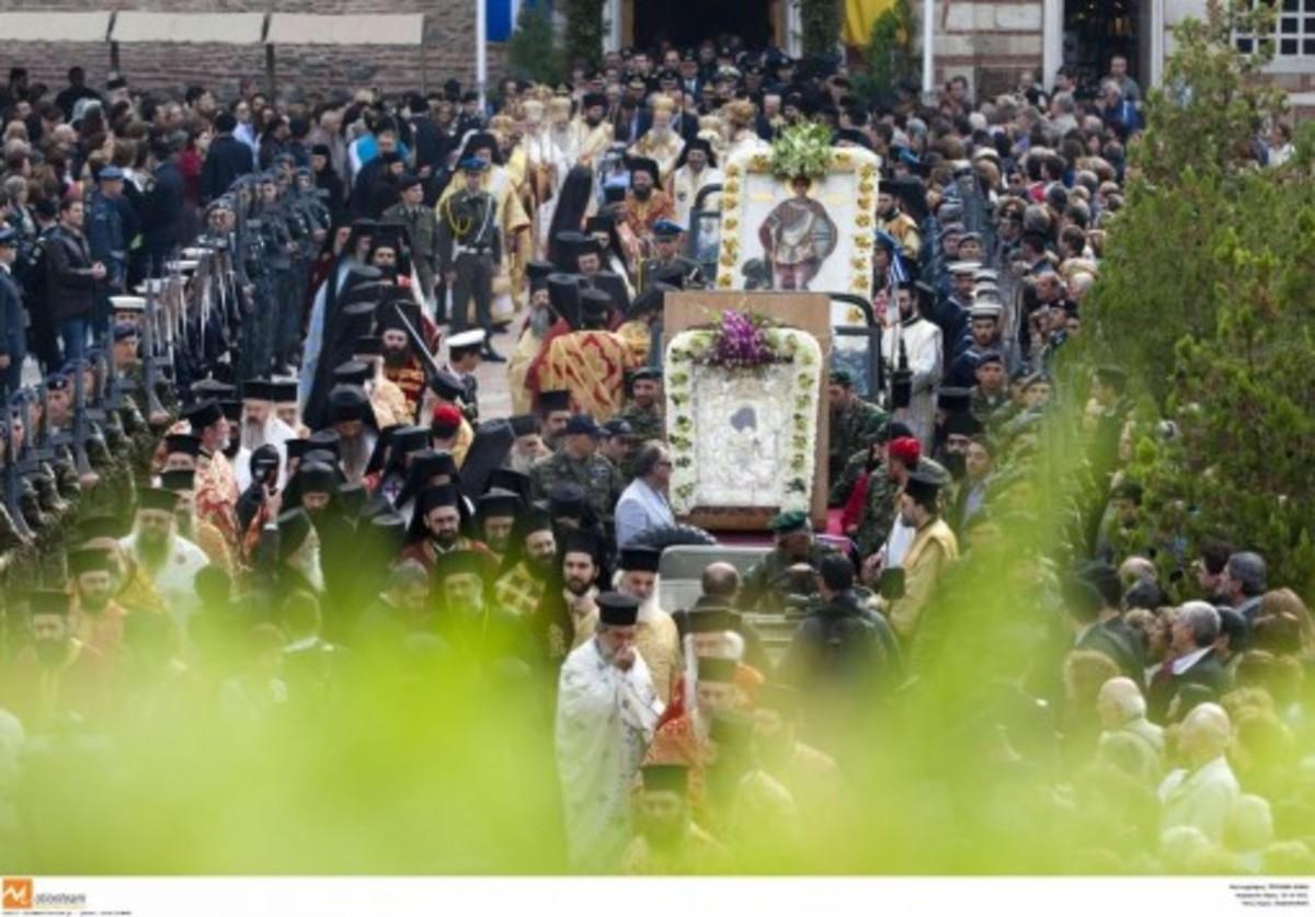 Στον Πολύγυρο η εικόνα της Παναγίας «Άξιον εστί» | Newsit.gr