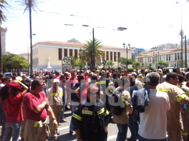 Κυκλοφοριακό έμφραγμα στο κέντρο της Αθήνας – Πορεία διαμαρτυρίας των δασοπυροσβεστών στην Πανεπιστημίου | Newsit.gr