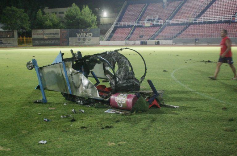 Newsit:» Τινάζουν» στον αέρα το ελληνικό ποδόσφαιρο. Χούλιγκαν και ανύπαρκτο κράτος μας έκαναν διεθνώς ρεζίλι! | Newsit.gr