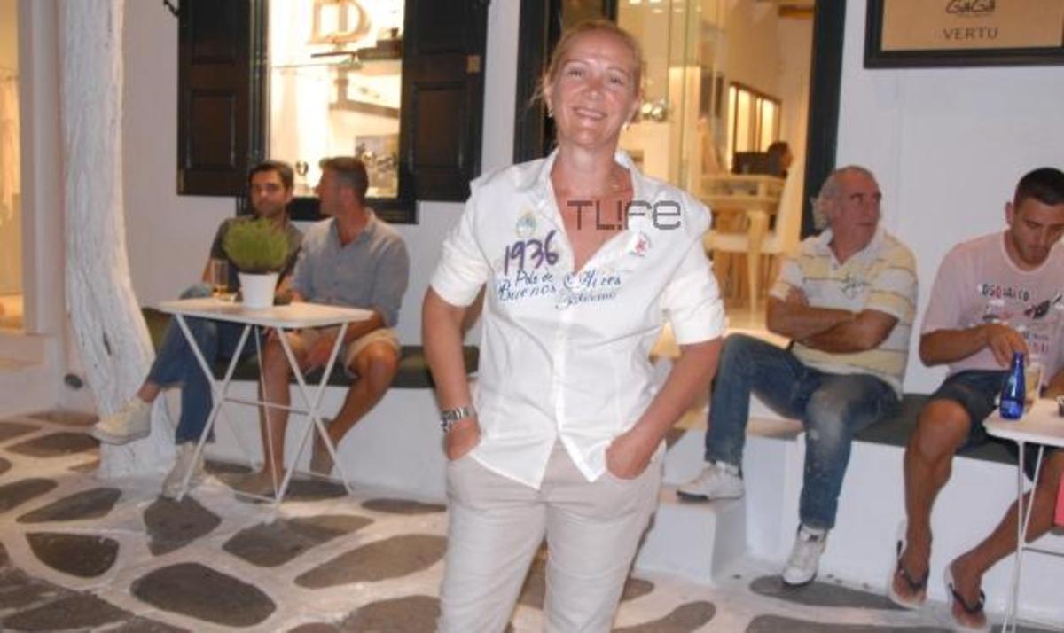 Ε. Πανοπούλου: Άκρως αδυνατισμένη και χωρίς μακιγιάζ κάνει βόλτες στα στενά της Μυκόνου!   Newsit.gr