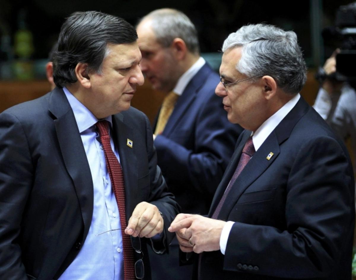 Επιστολή Παπαδήμου προς Μπαρόζο: «Κορυφαία προτεραιότητα η αλλαγή του κράτους» | Newsit.gr