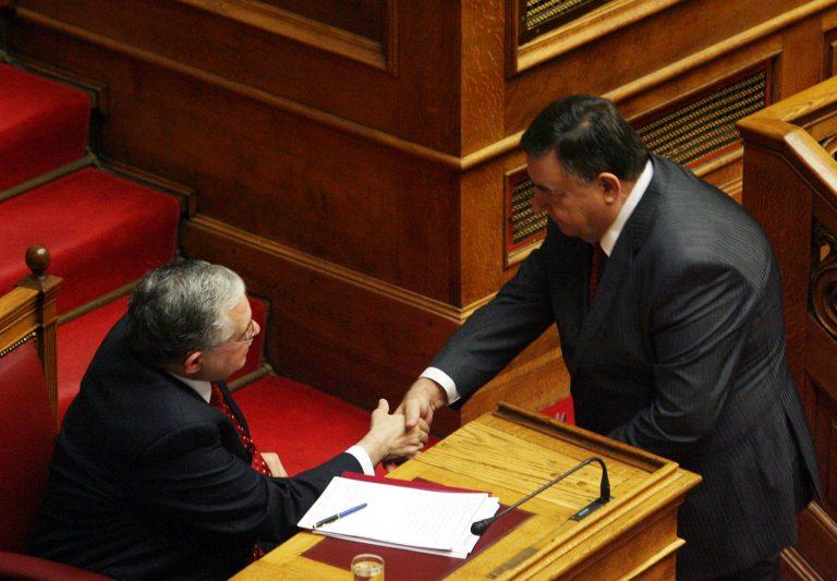 Οι όροι του Καρατζαφέρη για να μείνει στην κυβέρνηση   Newsit.gr