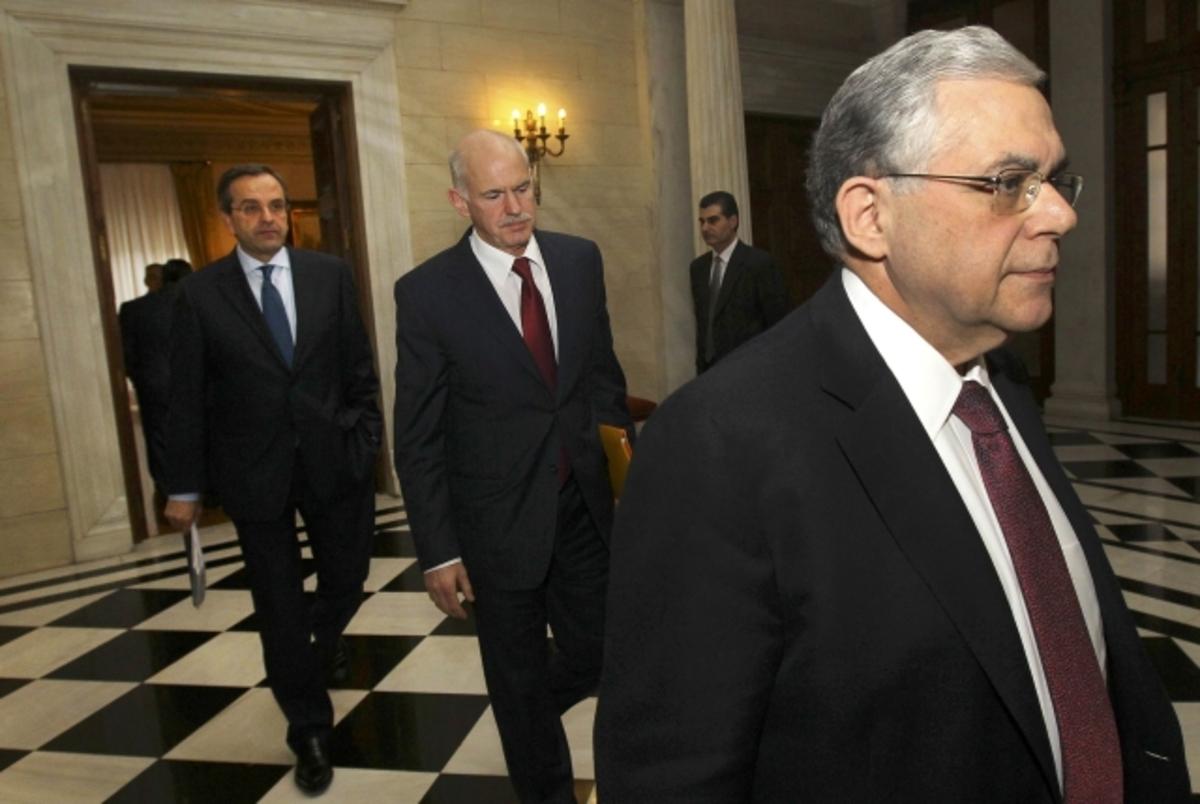Με λευκή απεργία απειλούν οι δικαστές τον Παπαδήμο αν τους μειώσει και άλλο τους μισθούς | Newsit.gr