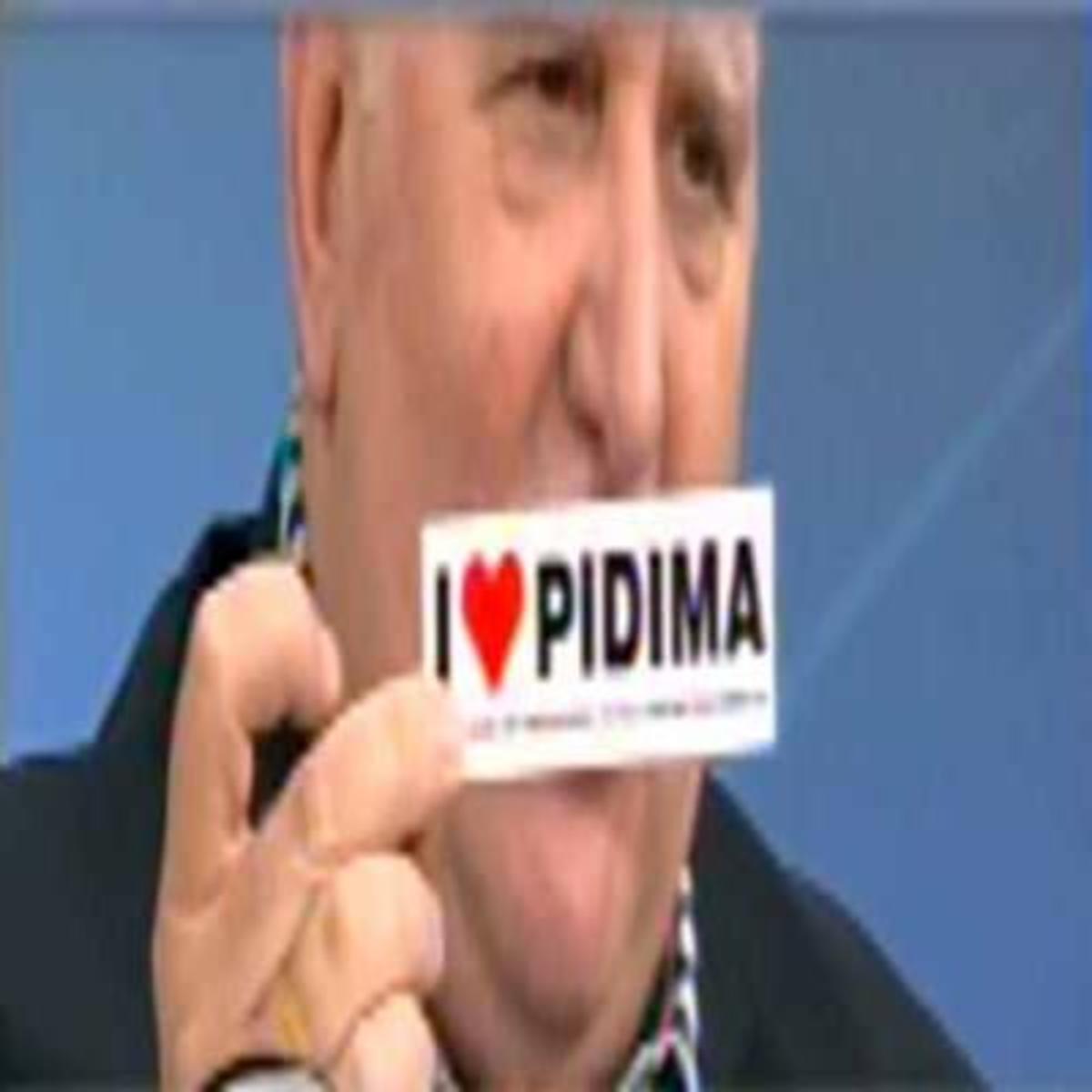 Tα νευρικά γέλια του Γιώργου Παπαδάκη για το Πήδημα! | Newsit.gr