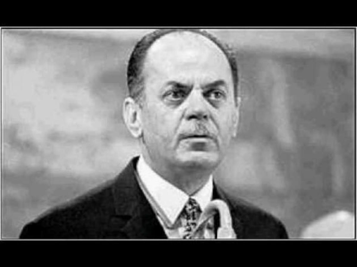 Ο Παπαδόπουλος ήταν…ο Κάστρο της Μεσογείου!!! Απίθανο κείμενο στην σελίδα της ΧΑ! | Newsit.gr