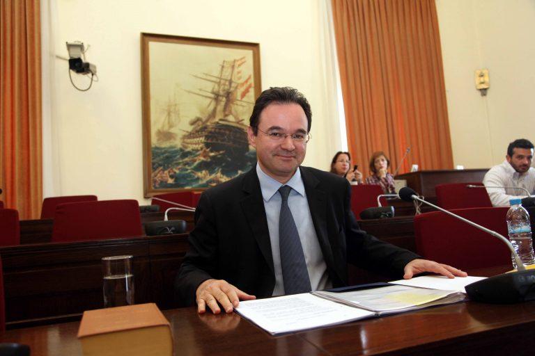Παπακωνσταντίνου: Η έξοδος από το τούνελ έχει ξεκινήσει | Newsit.gr