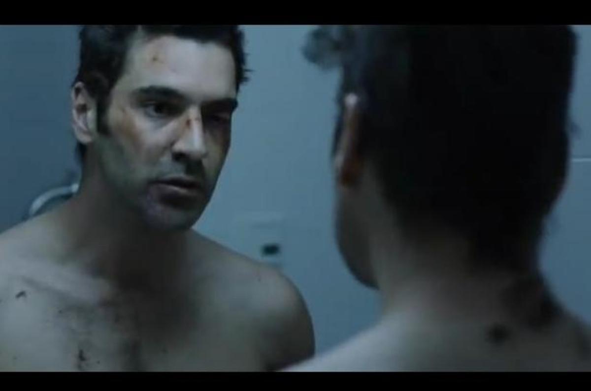Ποιος χτύπησε τον Χριστόφορο Παπακαλιάτη; Δείτε το τρέιλερ της νέας του ταινίας!   Newsit.gr