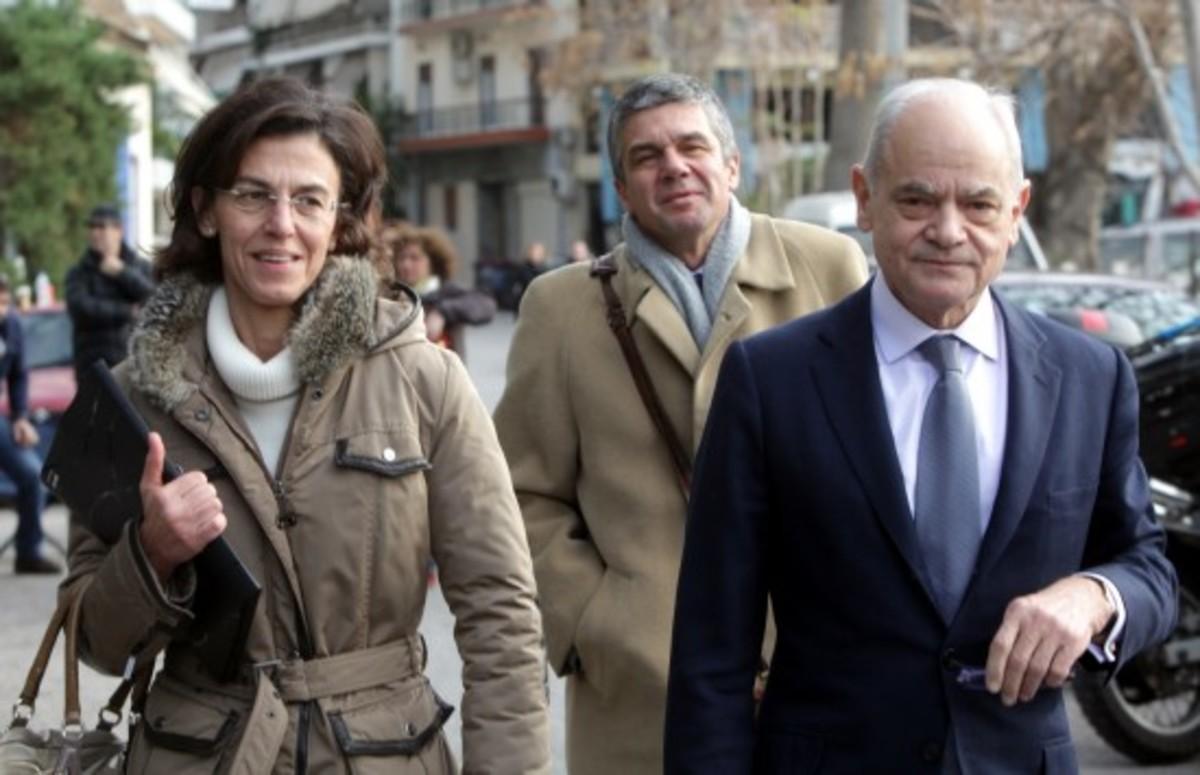 Αρνούνται να καταθέσουν στην Προανακριτική οι συγγενείς του Παπακωνσταντίνου | Newsit.gr