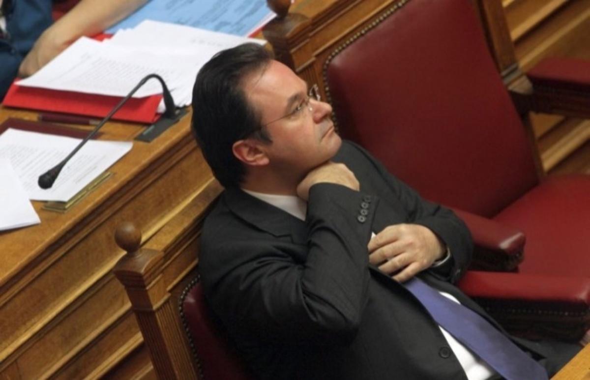 Μήνυμα-βόμβα από Παπακωνσταντίνου: «Ξέρω ποιός αλλοίωσε τη λίστα» | Newsit.gr