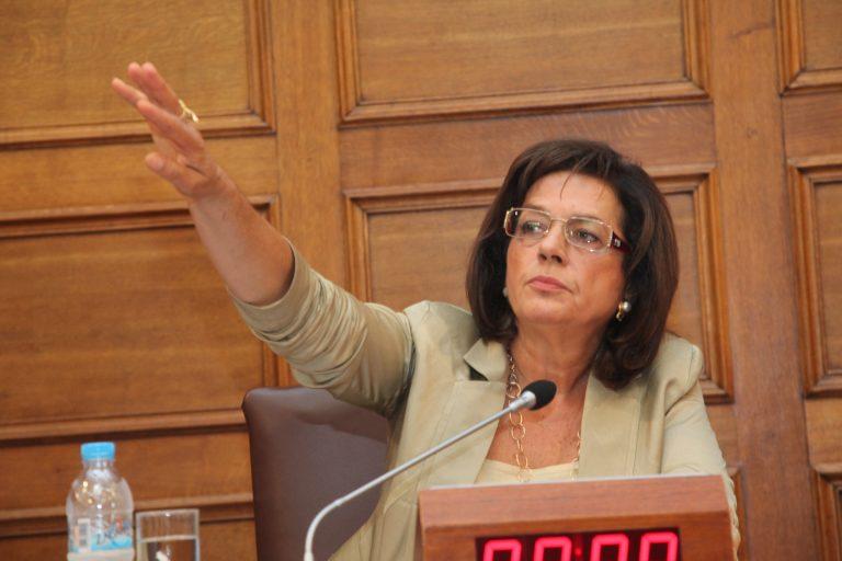 Εξάψαλμος Βάσως Παπανδρέου κατά Προβόπουλου για τα bonus | Newsit.gr