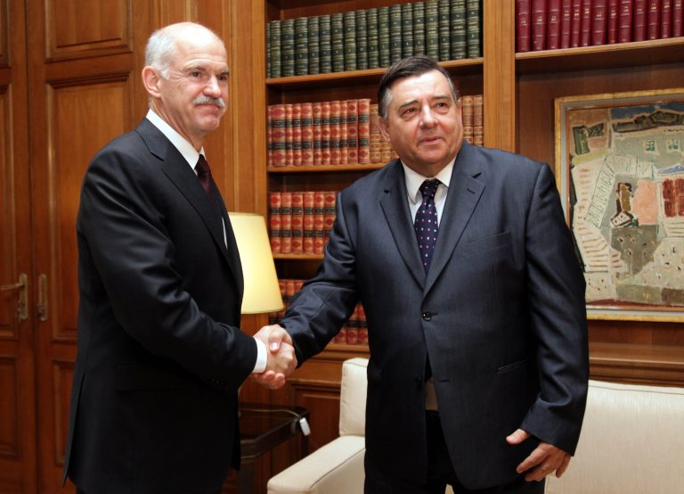 ΛΑΟΣ: «Πρέπει να ντρέπεται ο κ. Παπανδρέου» | Newsit.gr