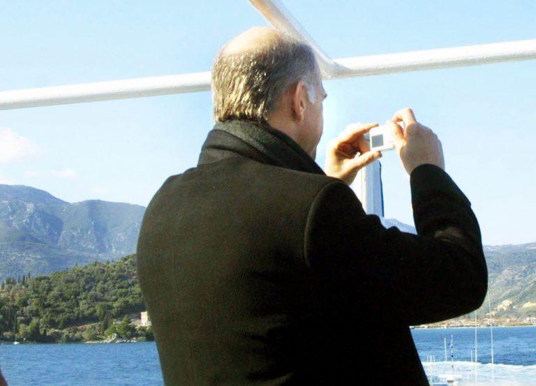 Ο πρωθυπουργός φωτογραφίζει τα χάλια της Αθήνας | Newsit.gr