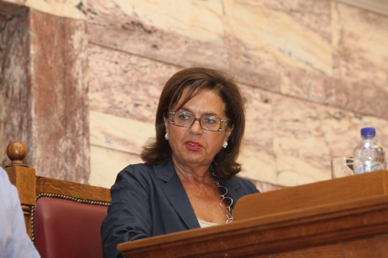 Βάσω Παπανδρέου: Ψηφίζω ναι γιατί… | Newsit.gr
