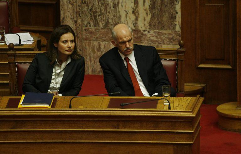 Επιμένει στο διάλογο η κυβέρνηση αλλά με άδεια ταμεία   Newsit.gr