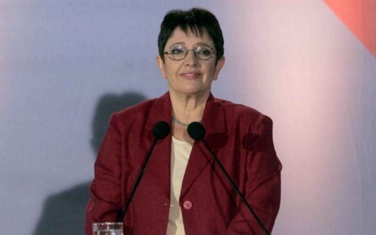 Γενέθλια σήμερα για την Αλέκα Παπαρήγα | Newsit.gr