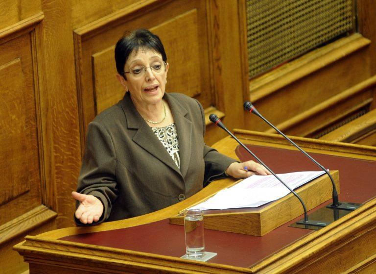 Α. Παπαρήγα: Βλέπει στάση πληρωμών σε δημόσιο και ιδιωτικό τομέα   Newsit.gr