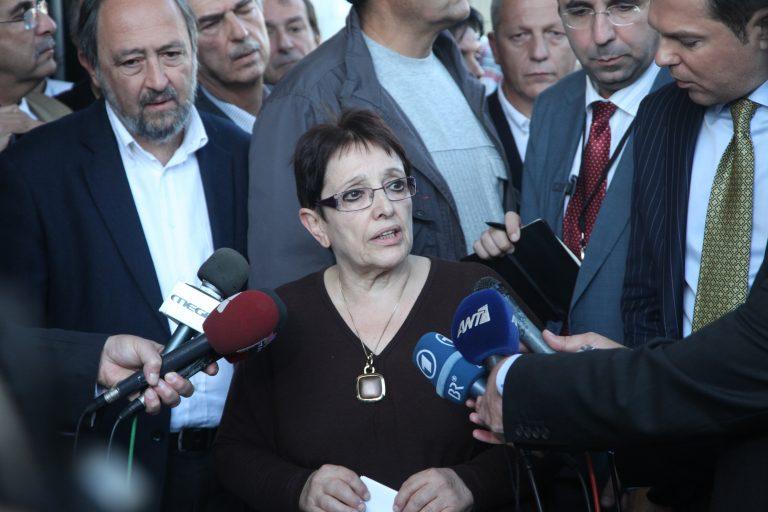 Παπαρήγα: Ο ΣΥΡΙΖΑ υποκινεί τους κουκουλοφόρους | Newsit.gr