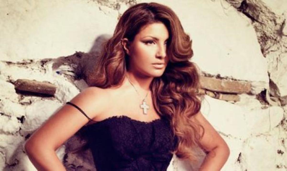 Ε. Παπαρίζου: Περιμένει το διαζύγιο του νέου της συντρόφου! | Newsit.gr