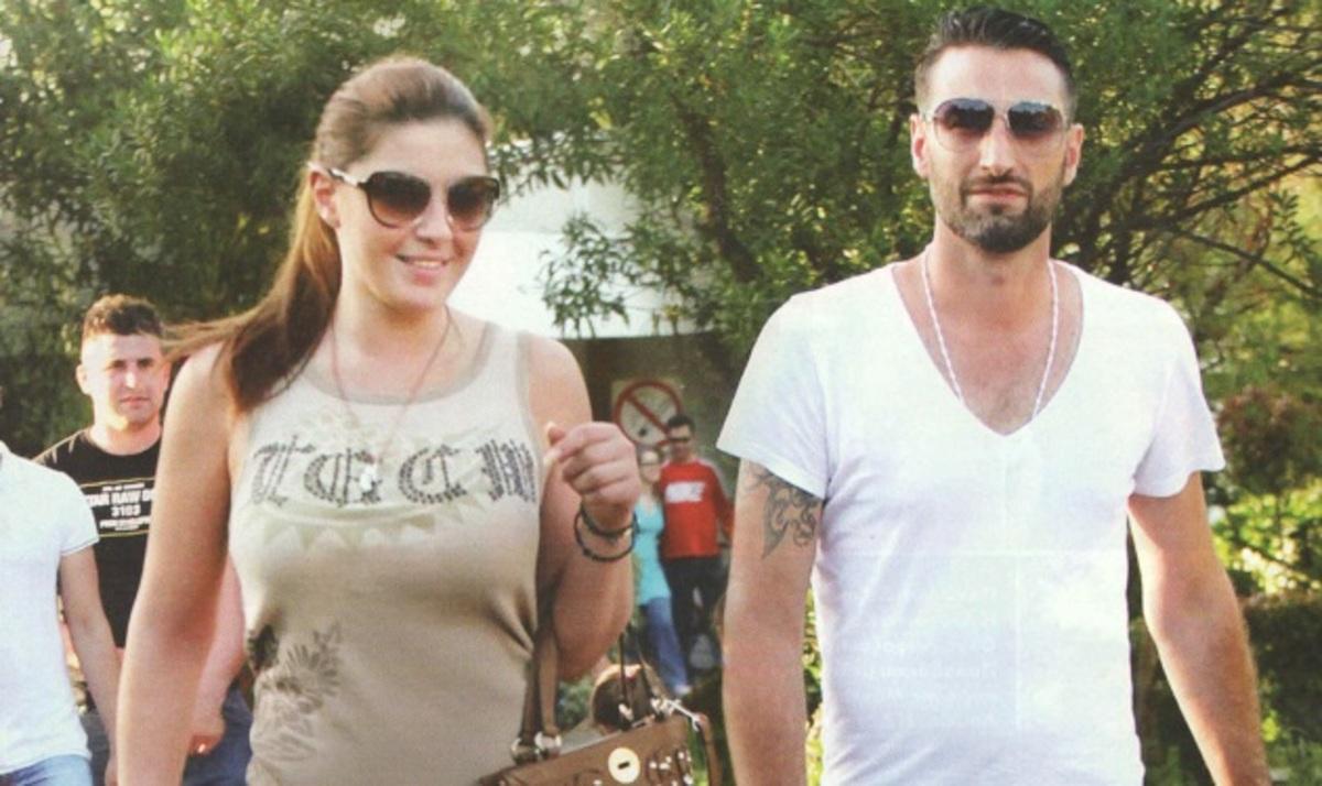 Eλ. Παπαρίζου: Επιστροφή στην Ελλάδα, συντροφιά με το στήριγμα της! | Newsit.gr