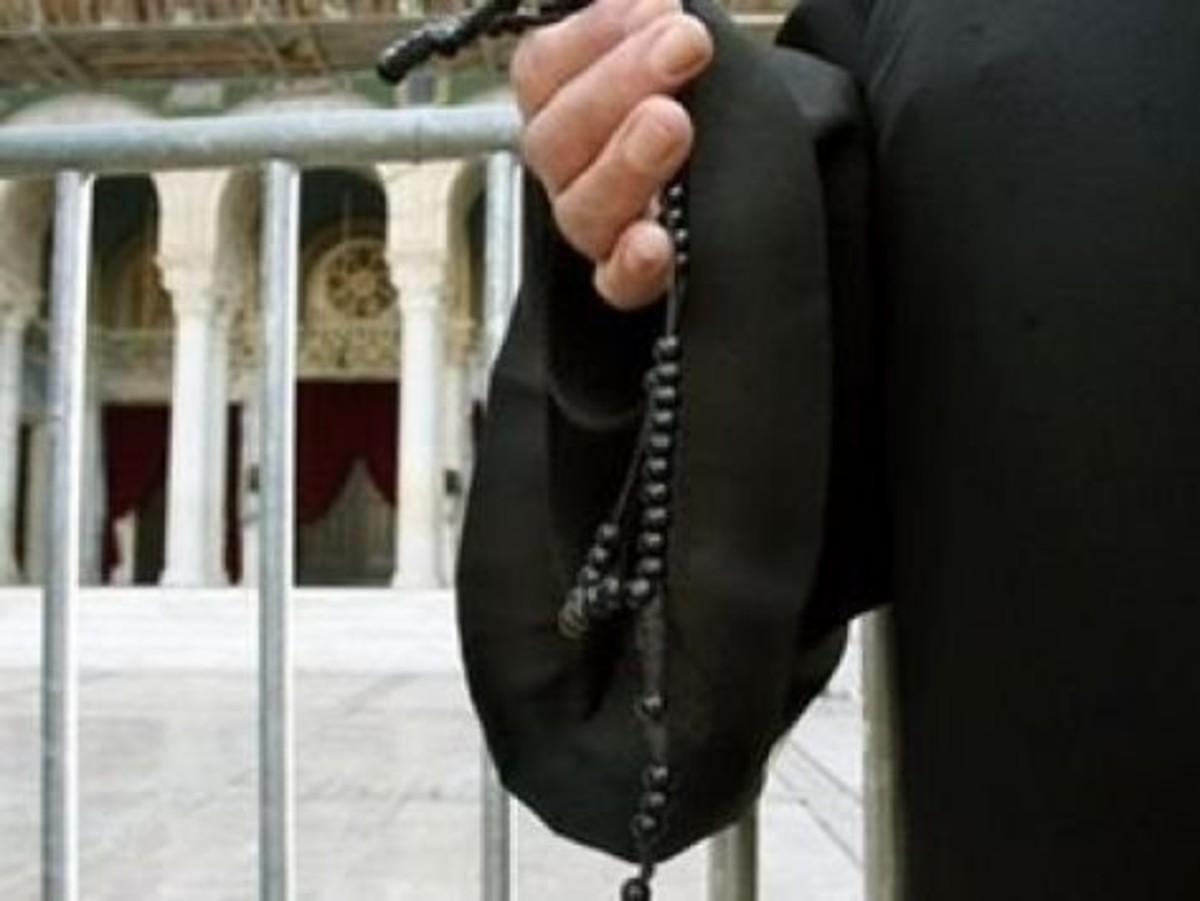 Νεαρός ιερέας σκοτώθηκε πηγαίνοντας στη Θεία Λειτουργία | Newsit.gr