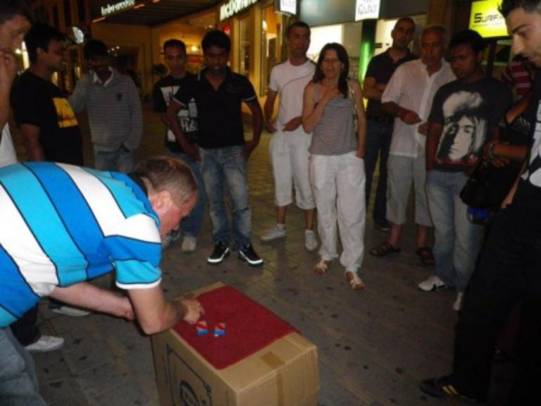 Θεσσαλονίκη: Τον έβαλαν να ψάχνει τον «παπά» και του πήραν 14.000 ευρώ | Newsit.gr
