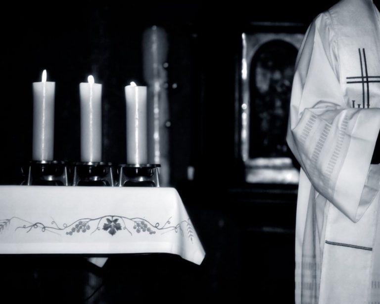 Θύματα σεξουαλικής κακοποίησης πάνε το Βατικανό στα δικαστήρια   Newsit.gr