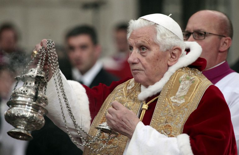 Αποκάλυψη! Γιατί παραιτήθηκε ο Πάπας Βενέδικτος | Newsit.gr