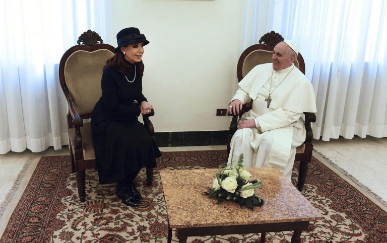 Τη μεσολάβηση του Πάπα ζήτησε η πρόεδρος της Αργεντινής για τα νησιά Φόλκλαντ   Newsit.gr