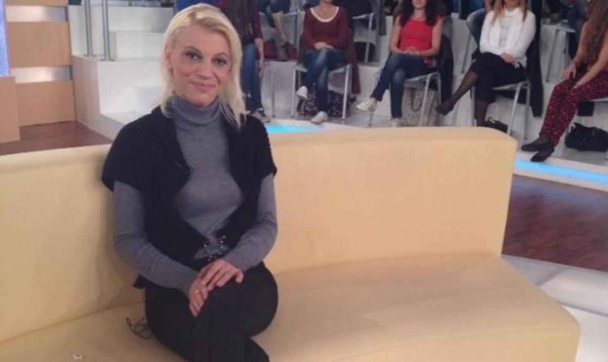 Η αρραβωνιαστικιά του Παπαχρόνη στο Μίλα για τον έρωτά της για τον πρώην βαρυποινίτη. Βίντεο   Newsit.gr