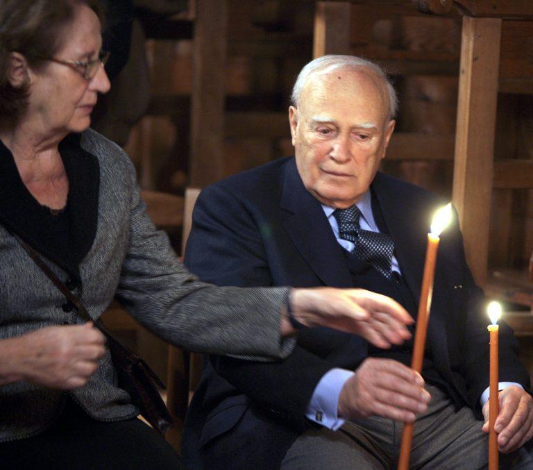 Κ. Παπούλιας: «Εύχομαι να είναι μία πραγματική Ανάσταση για τον ελληνικό λαό» | Newsit.gr