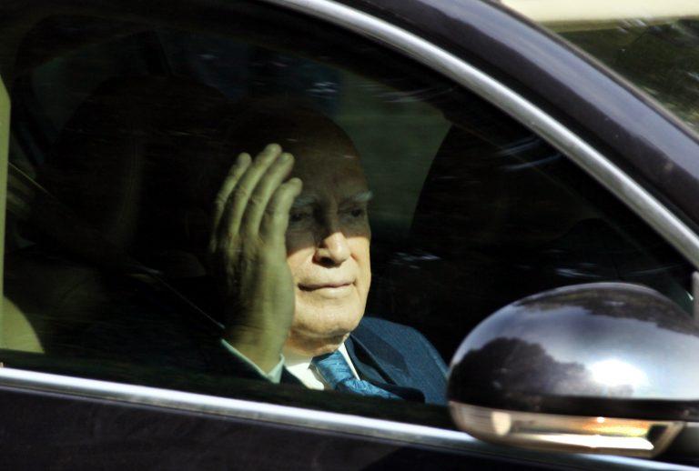 Το δίλημμα Παπούλια για τη Χρυσή Αυγή   Newsit.gr
