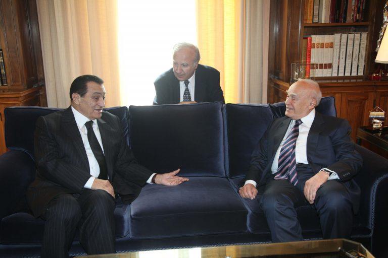 Συνάντησεις Μουμπάρακ με Παπούλια, Παπανδρέου | Newsit.gr