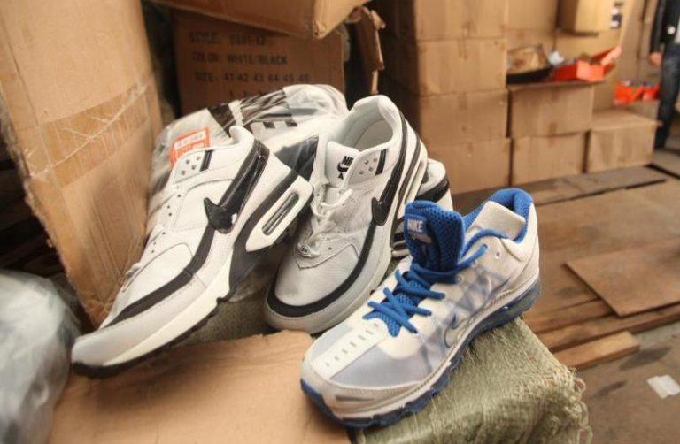 Γιαννιτσά: Κατασχέθηκαν 800 ζευγάρια παπούτσια «μαϊμού» | Newsit.gr