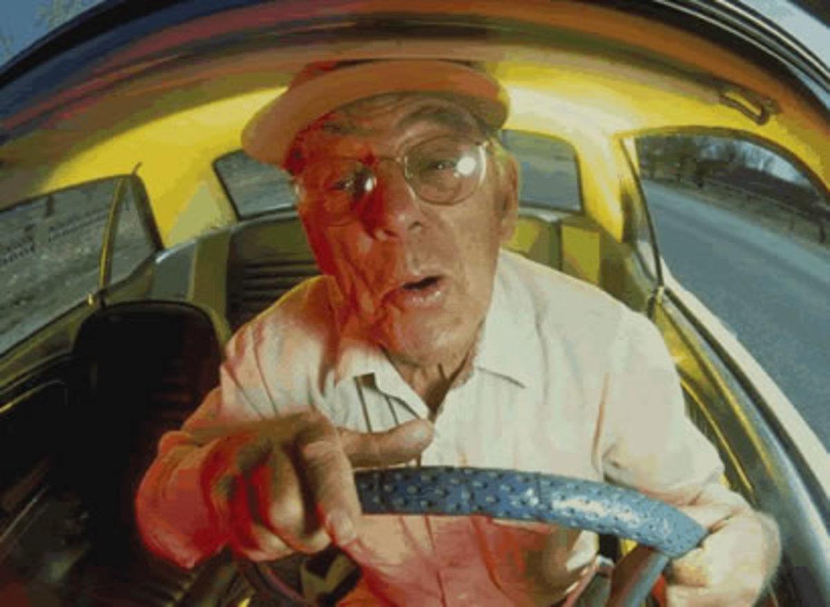 Καταδίωξη γκαζιάρη παππού για 23 χιλιόμετρα! | Newsit.gr